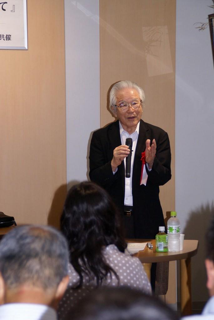 講演される徳川輝尚先生